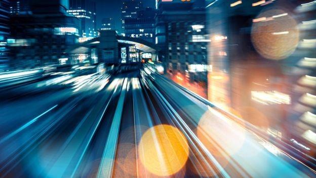 O mercado está adotando inovações tecnológicas a uma taxa exponencial (Foto: Getty Images via BBC News Brasil)
