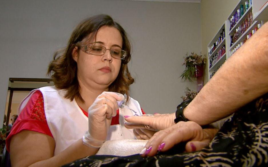Empresas de Feira de Santana divulgam vagas de emprego para segunda-feira; confira