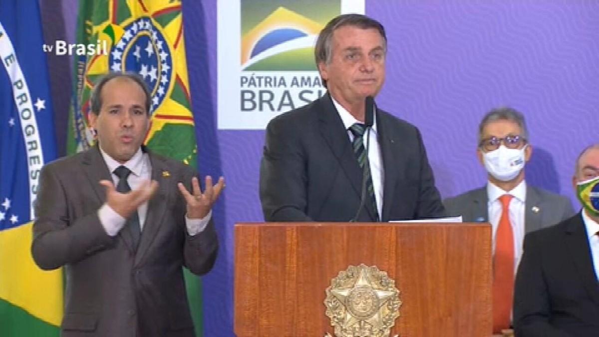 'Realmente, nos afligiu desde o início', diz Bolsonaro sobre a pandemia - G1