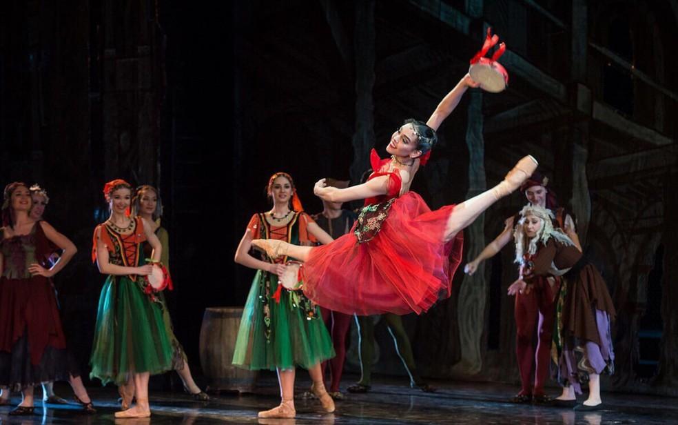 Amanda Gomes, de 22 anos, bailarina goiana que compete por prêmio internacional Goiás (Foto: Ramis Nasmiev/Divulgação)