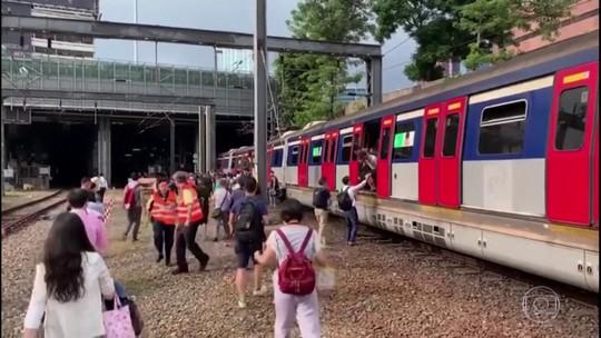 Trem descarrila em Hong Kong e deixa 8 feridos