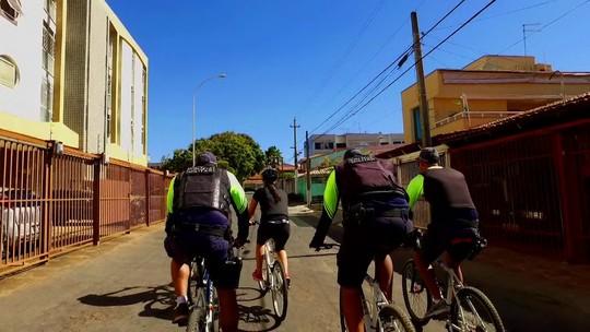 Pedalando mostra como a PM usa a bicicleta no policiamento do DF