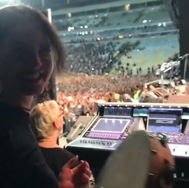 Lana Del Rey no show do Pearl Jam (Foto: Reprodução/Instagram)