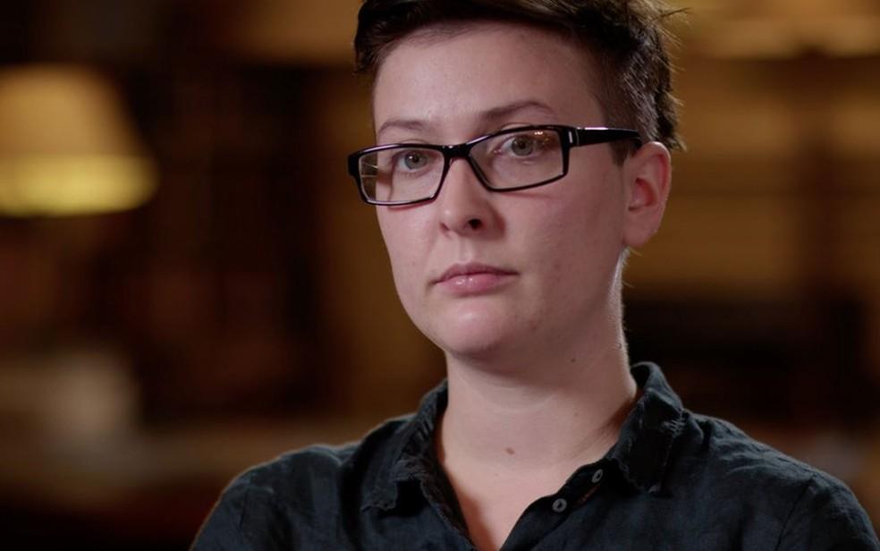 Charlie diz que ficou surpresa com o número de pessoas que entraram em contato com sua rede de apoio a pessoas que estão interrompendo transições — Foto: BBC