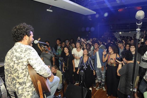 Show do Enzo Romani (Foto: Divulgação/Jan Sen)
