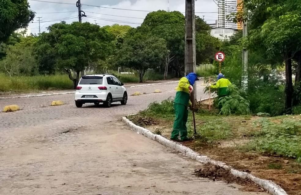 Mais de 1.500 servidores terceirizados da Universidade Federal do Rio Grande do Norte deverão ser demitidos, após cortes no orçamento  — Foto: Igor Jácome/G1