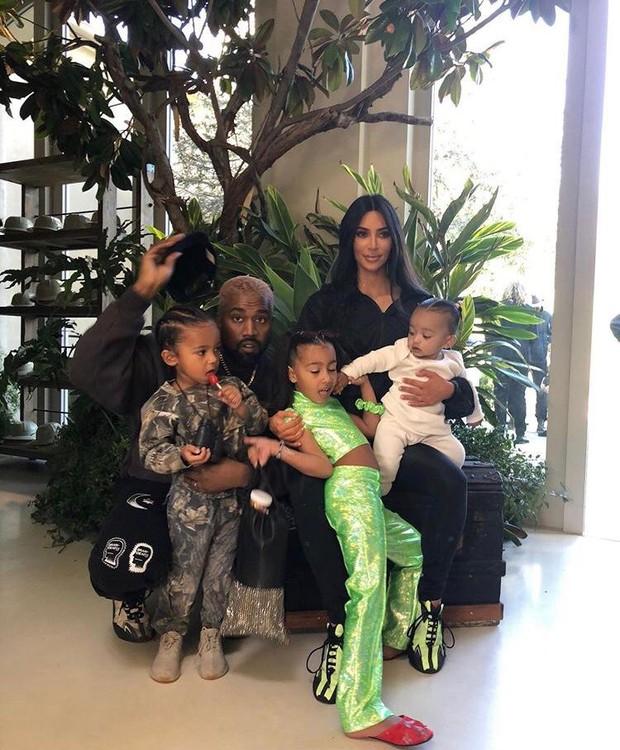 Kim Kardashian comemora aniversário de 4 anos de filho, com festa do Tarzan (Foto: Instagram/ Reprodução)