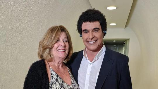 Diogo Nogueira homenageia o pai, e mãe do cantor se emociona: 'Fiquei em choque'