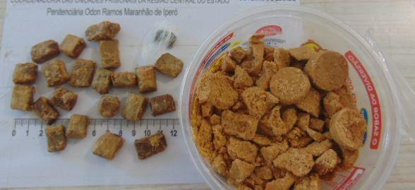 Agentes penitenciários encontram porções de maconha dentro de paçocas em Iperó