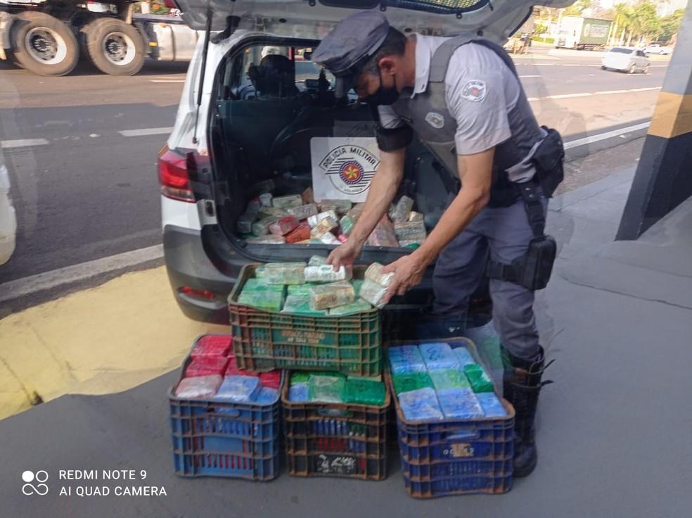 Quase 12 milhões em dinheiro, entre real e dólar, foram apreendidos em Presidente Prudente — Foto: Secretaria de Segurança Pública