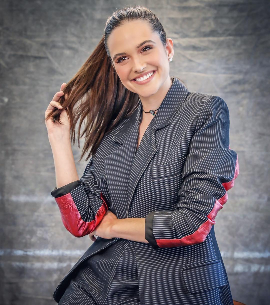 """Juliana Paiva interpretará Marocas na novela """"O Tempo Não Para"""" (Foto: Reprodução / Instagram)"""