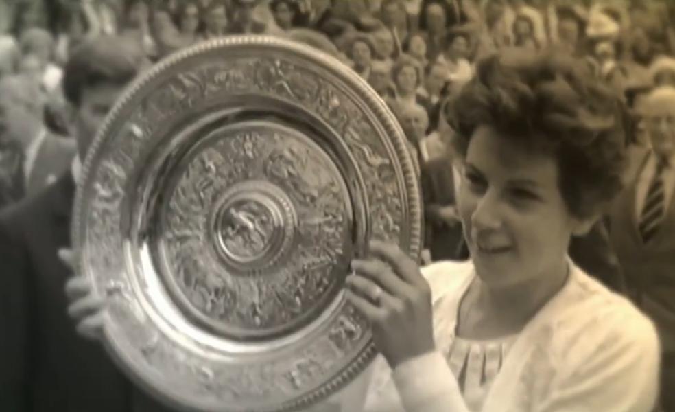 Maria Esther Bueno conquistou o primeiro título de simples em Wimbledon em 1959 — Foto: Reprodução SporTV