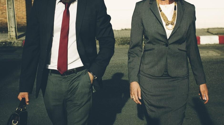 roupa social, homem, mulher, trabalho (Foto: Reprodução/Pexels)