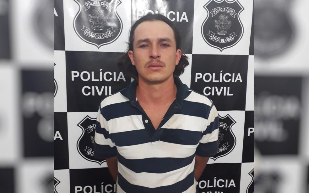 Jovem é preso suspeito de abordar mulheres e obrigá-las a masturbá-lo em Aragoiânia  — Foto: Polícia Civil/Divulgação