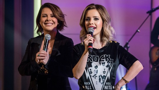 Fernanda Souza faz dueto com Sandy e brinca sobre carreira de cantora