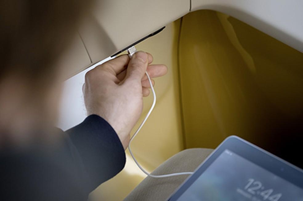 Cada assento terá luz de leitura e entrada USB (Foto: Divulgação)