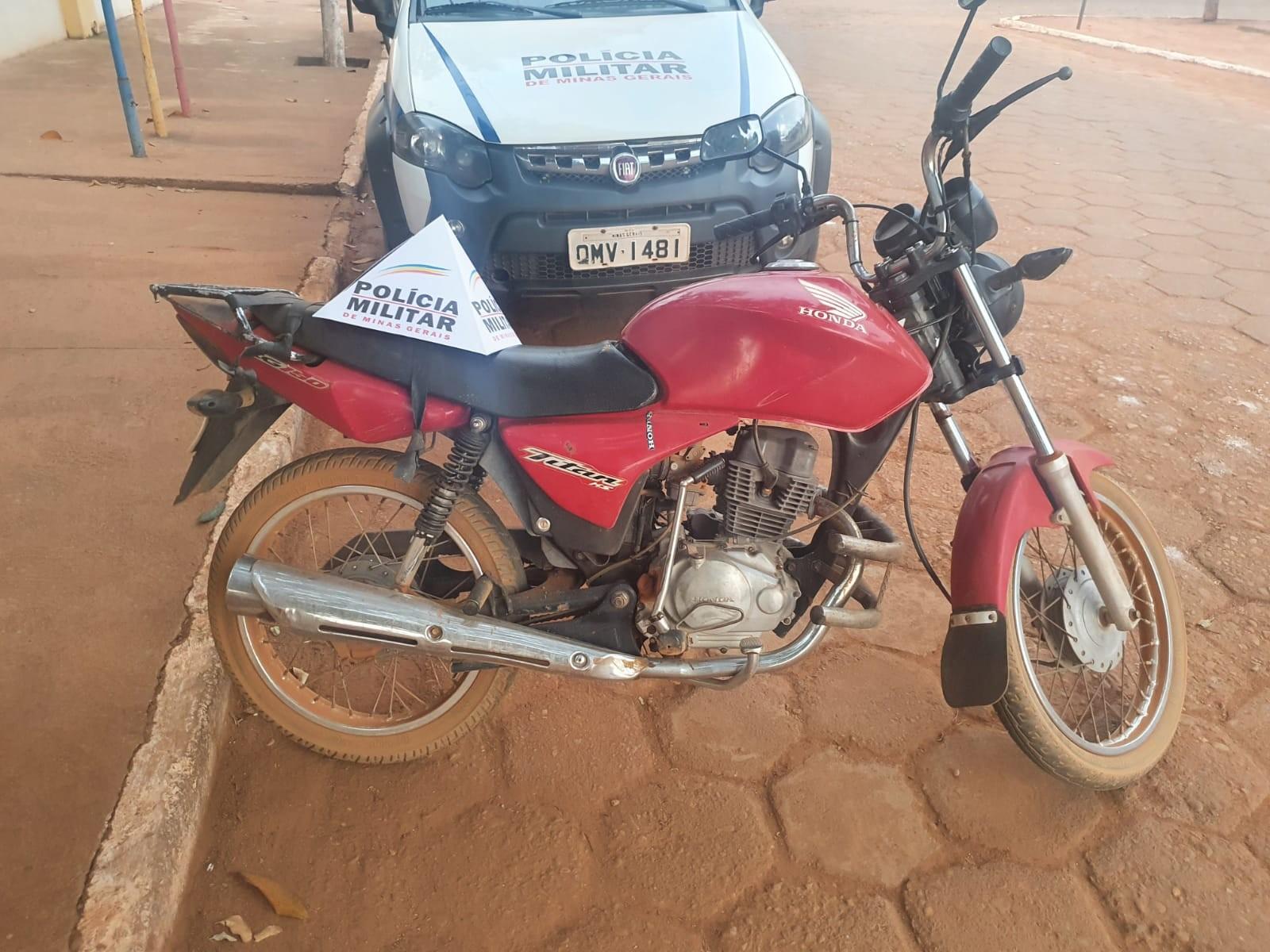 Homem é preso por receptação ao ser abordado pilotando moto roubada em Novorizonte