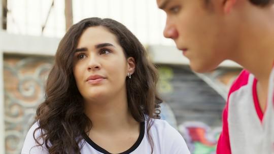 Júlia e Artur sentem falta de Gustavo e Belinha