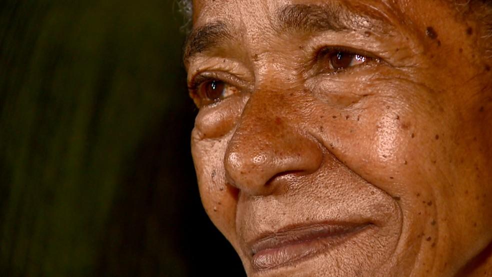Avó disse que teve a primeira ceia de Natal em 63 anos (Foto: Rodrigo Sargaço/EPTV)