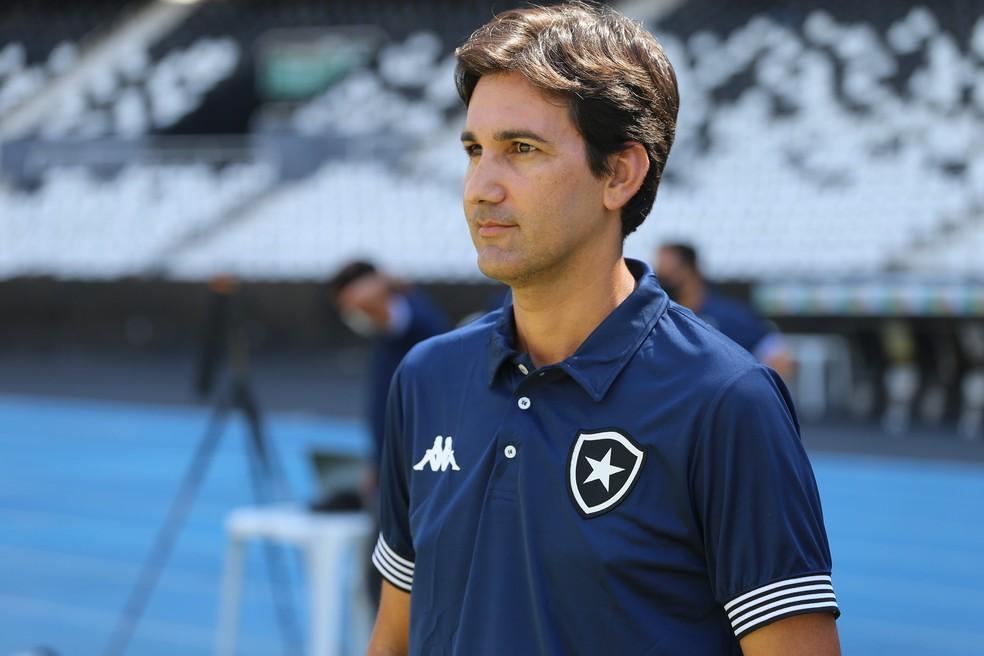 Ricardo Resende é técnico do sub-20 do Botafogo — Foto: Fabio de Paula/BFR