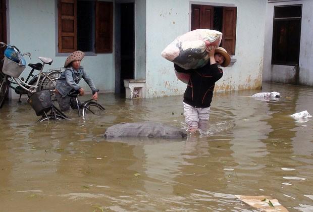 Inundações deixam mais de 30 mortos no Vietnã