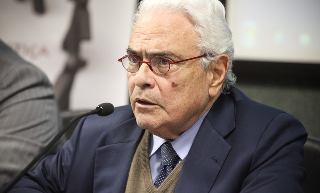 O ex-ministro José Carlos Dias na Assembleia Legislativa de Santa Catarina