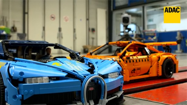 Modelos correram a 60 km/h até colidirem  (Foto: Reprodução/ADAC)