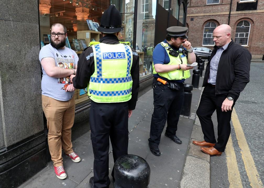 Homem que jogou um milk shake em Farage — Foto: Scott Heppell/Reuters