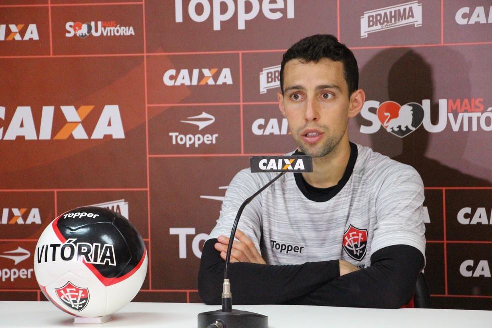 cfce303ed9a8a ... Fillipe Soutto vira titular no time de João Burse e faz boa avaliação  do técnico interino