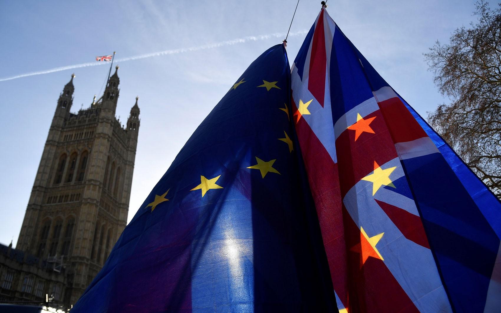 Veja as reações à rejeição do acordo sobre o Brexit pelo Parlamento do Reino Unido