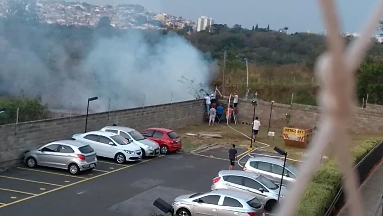 Dois incêndios consomem áreas de mata em bairros de Campinas neste domingo - Notícias - Plantão Diário
