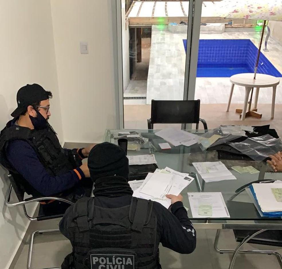Polícia Civil deflagrou operação, em Cascavel, nesta segunda-feira (1º) — Foto: Polícia Civil/Divulgação