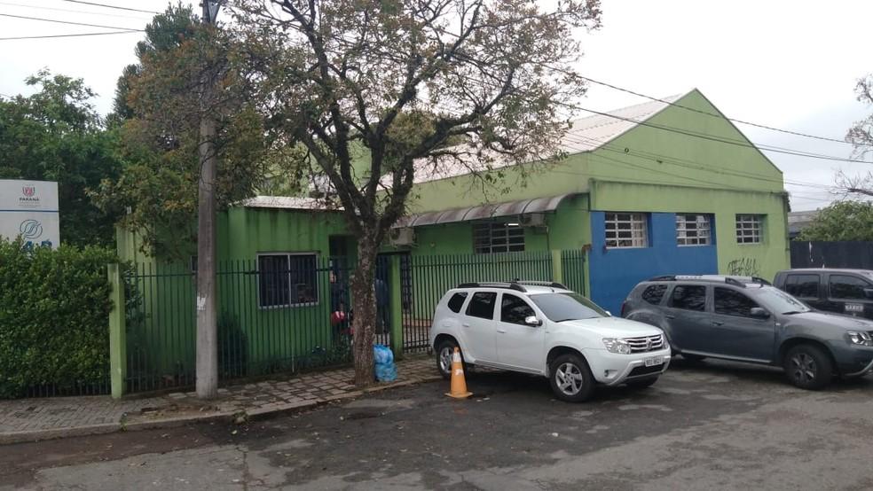 Gaeco cumpre mandados, na manhã desta quarta-feira (4), na sede do IAP — Foto: Aline Pavaneli/RPC