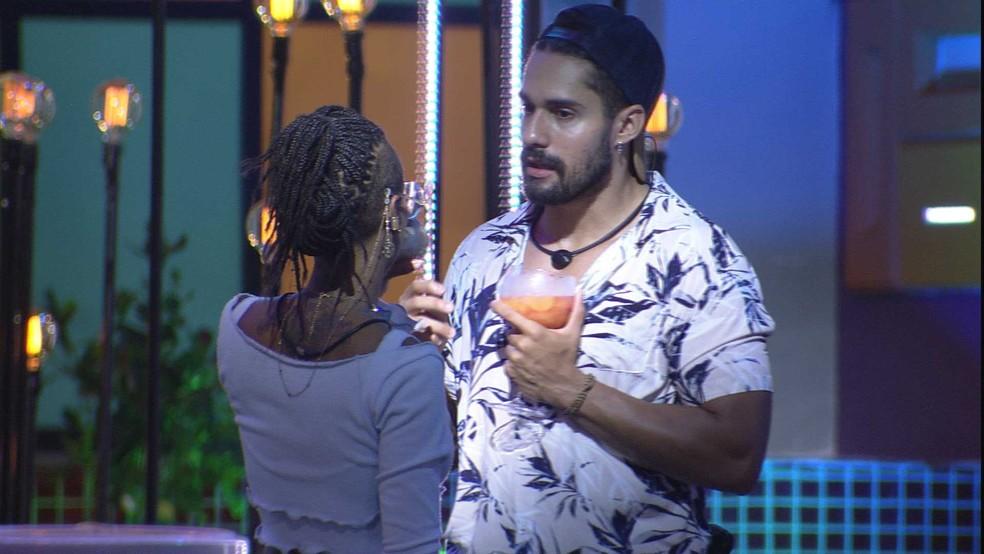 Arcrebiano explica motivo de não beijar Karol Conká: 'Preciso entender mais do jogo' — Foto: Globo
