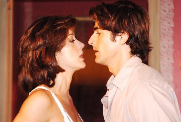 Cláudia Raia e Reynaldo Gianecchini: casal caliente em Belíssima (Foto: Divulgação/TV Globo)