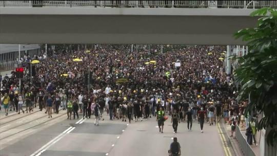 Para driblar repressão, manifestantes diversificam formas de protesto em Hong Kong