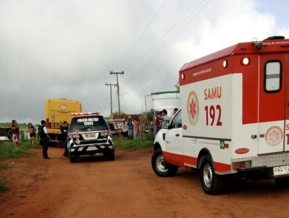 Criança de 4 anos morre ao cair de ônibus a caminho de escola no Ceará