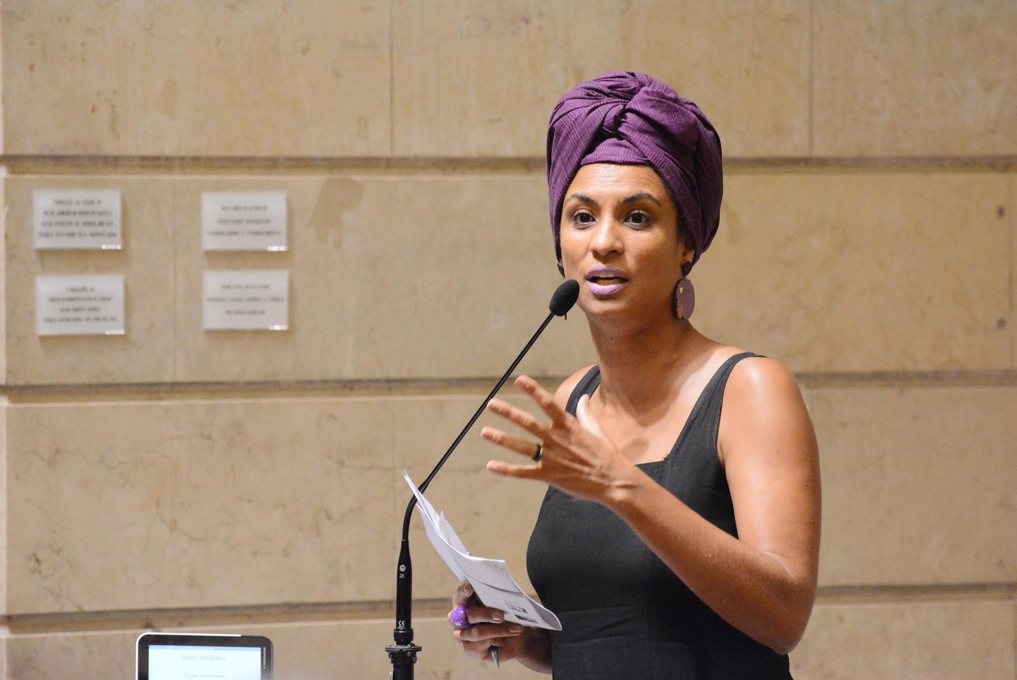 Famosos e intelectuais repercutem morte da vereadora Marielle Franco, no Rio