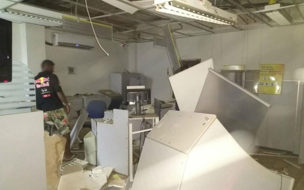 As agências foram destruídas em Serra Dourada  (Foto: Sigi Vilares)