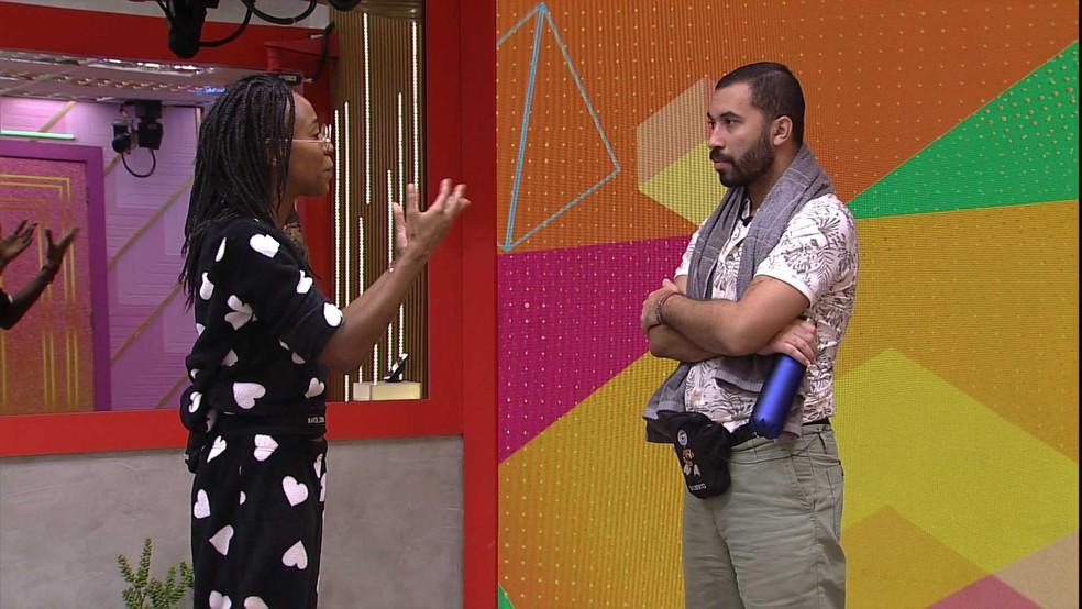 Karol Conká diz a Gilberto: 'Você está achando que eu estou braba com você? Não pire!' — Foto: Globo