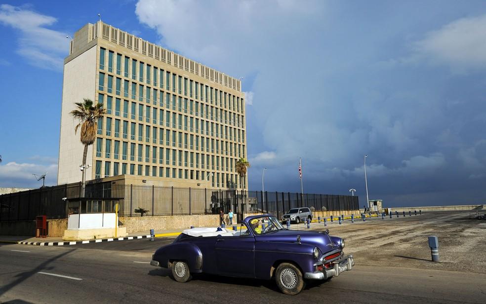 Prédio da embaixada dos Estados Unidos em Havana, Cuba, em foto de 17 de dezembro de 2015 (Foto: Yamil Lage/AFP)