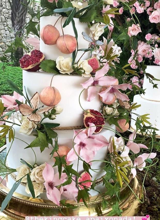 Noivado Thassia Naves - festa em clima campestre e decoração com rosas (Foto: Instagram/ Reprodução)