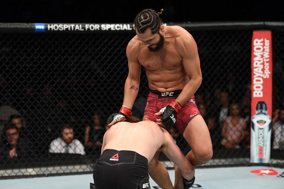 Nocaute de Jorge Masvidal sobre Ben Askren em 5s no UFC 239 foi eleito o melhor do ano — Foto: Getty Images