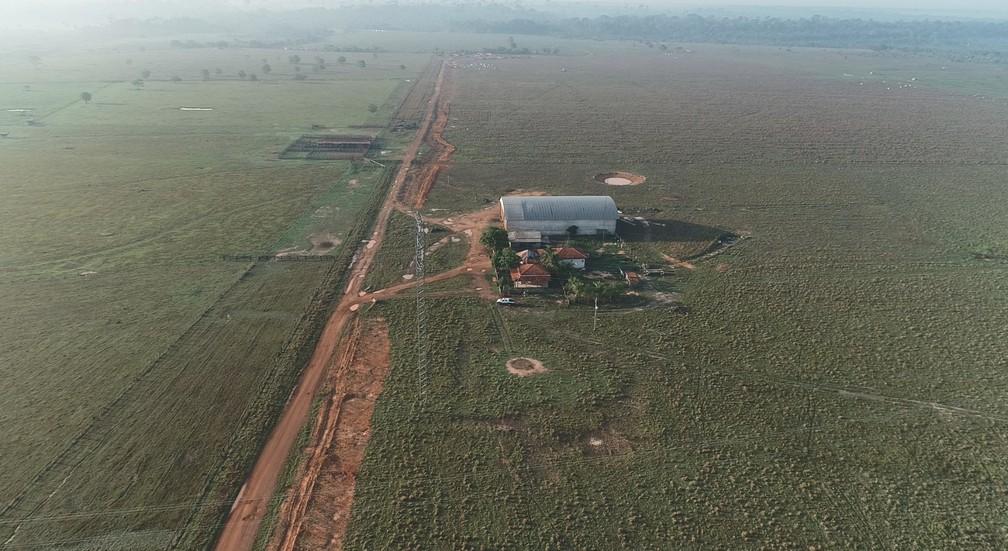 Área onde ocorre operação é de conflito agrário, segundo o governo de Rondônia.  — Foto: Reprodução/Rede Amazônica