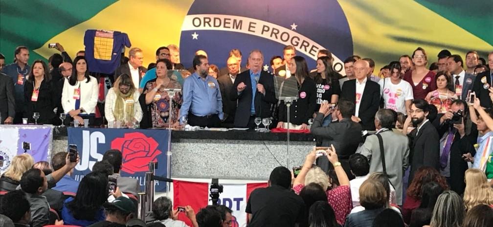 Ciro Gomes, candidato do PDT à Presidência da República, discursa durante convenção do partido em Brasília. (Foto: Alessandra Modzeleski/G1)