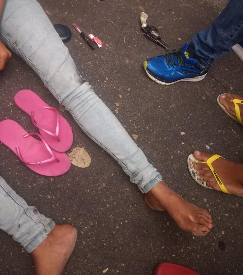 Adolescente foi baleada na perna e encaminhada para o Hospital de Urgências de Teresina — Foto: Divulgação