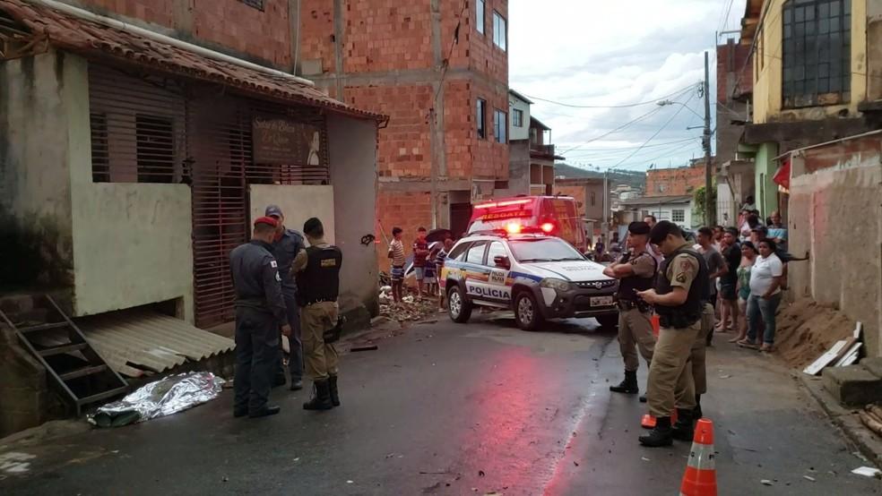 Local do homicídio no bairro Nossa Senhora Aparecida — Foto: Tarciane Vasconcelos/Inter TV dos Vales