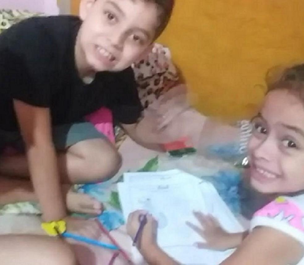 Ítalo de Souza Olmo, de oito anos, e Anelise de Souza Olmo, de quatro — Foto: Reprodução/TV Gazeta
