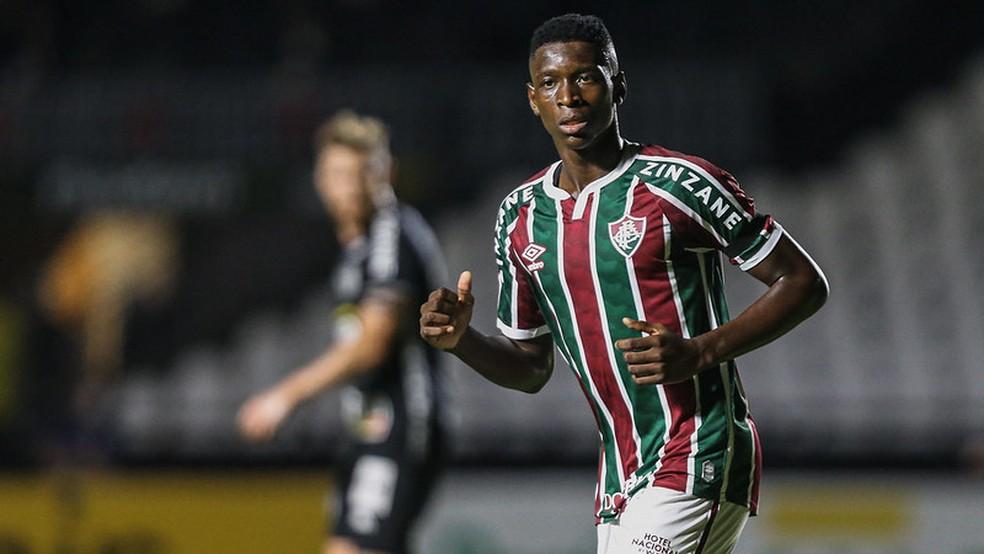 Luiz Henrique teve papel importante no último Campeonato Brasileiro — Foto: Lucas Merçon / Fluminense FC