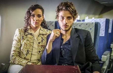 Em uma de suas viagens, José Alfredo conhecerá Maria Marta (Adriana Birolli), uma socialite falida, mas com um bom nome. Os dois se casam depois de alguns meses de namoro, quando ela engravida Reprodução